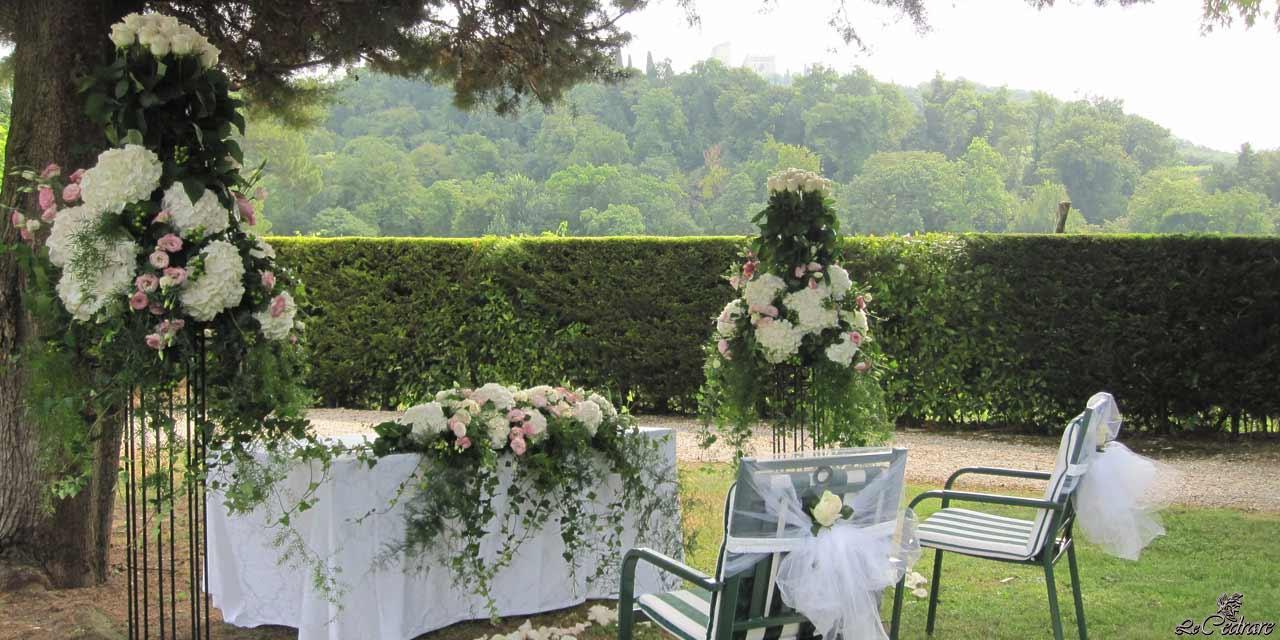 Special events at the restaurant, wedding in the garden with views of Illasi castle