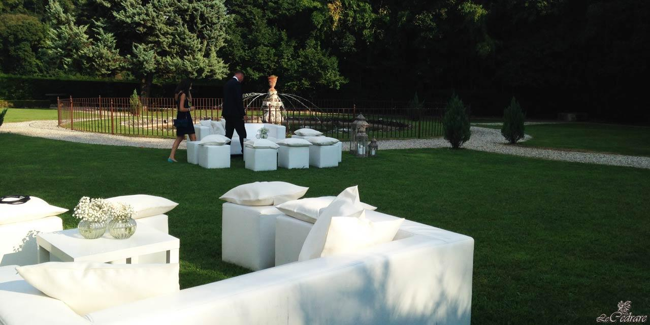 Restaurant with park and fountain to get married in Verona
