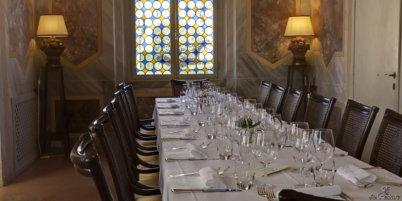 Restaurant with room for baptisms, corporate dinners, business lunches, weddings, communions, special events, business dinners, conferences, meetings