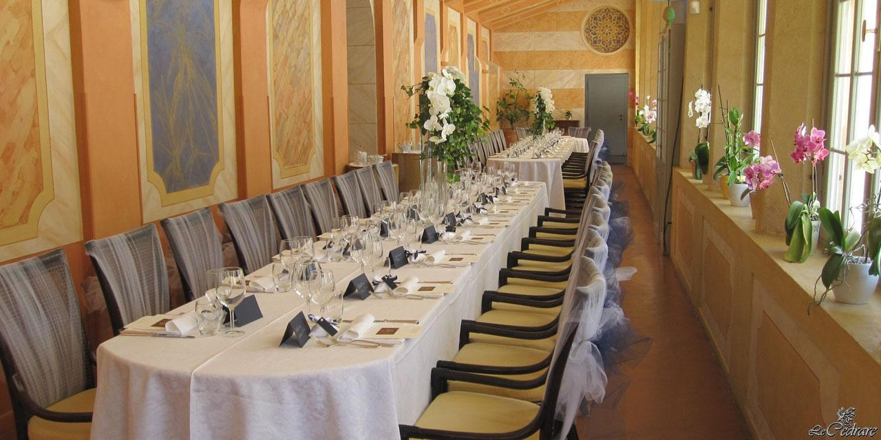 Preparation of the hall inside the restaurant for lunch marriage Verona
