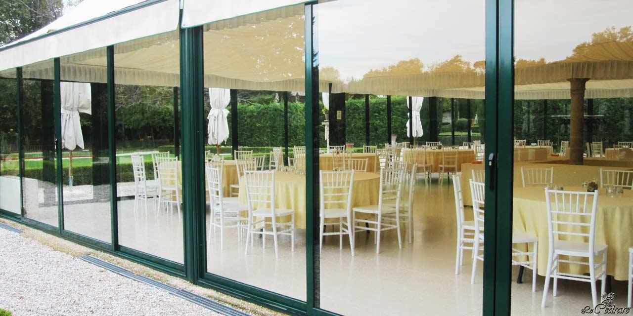 Indoor hall for business dinners and large groups