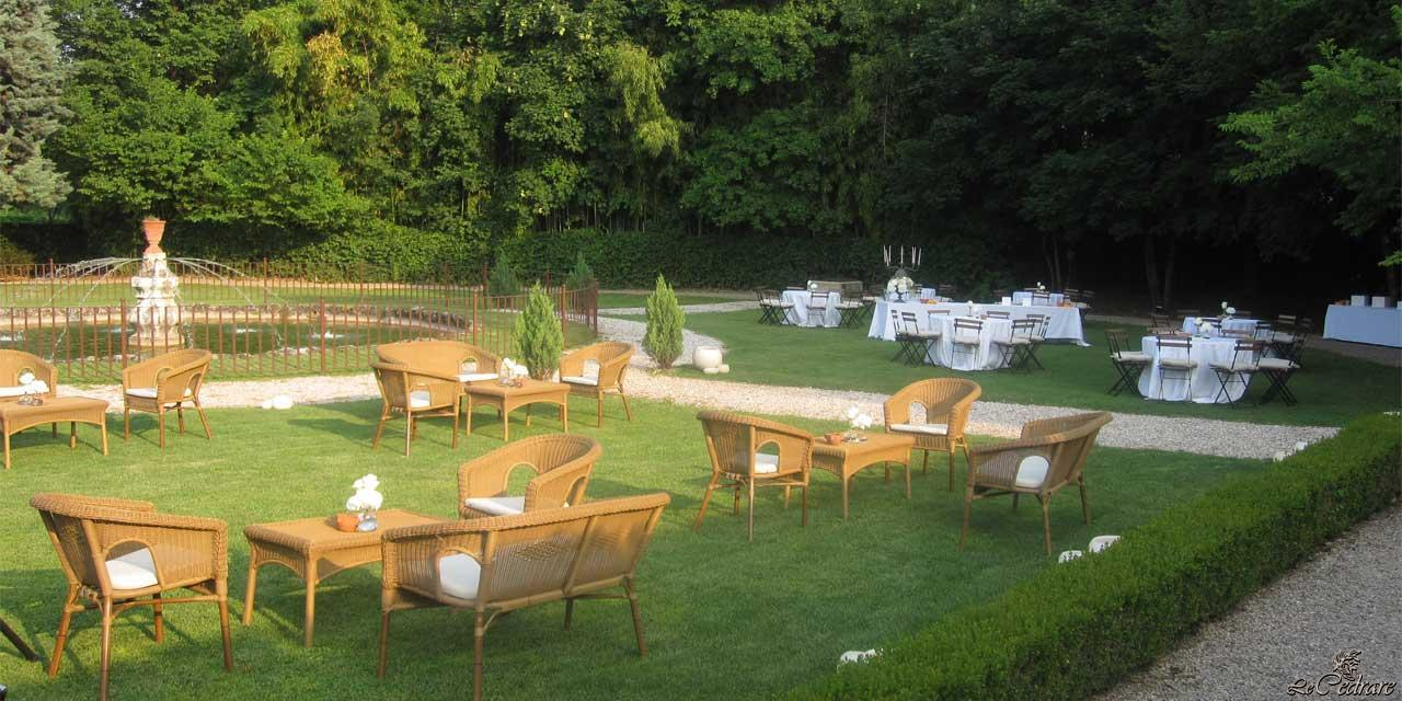 Possible decoration of the park for wedding restaurant with rent