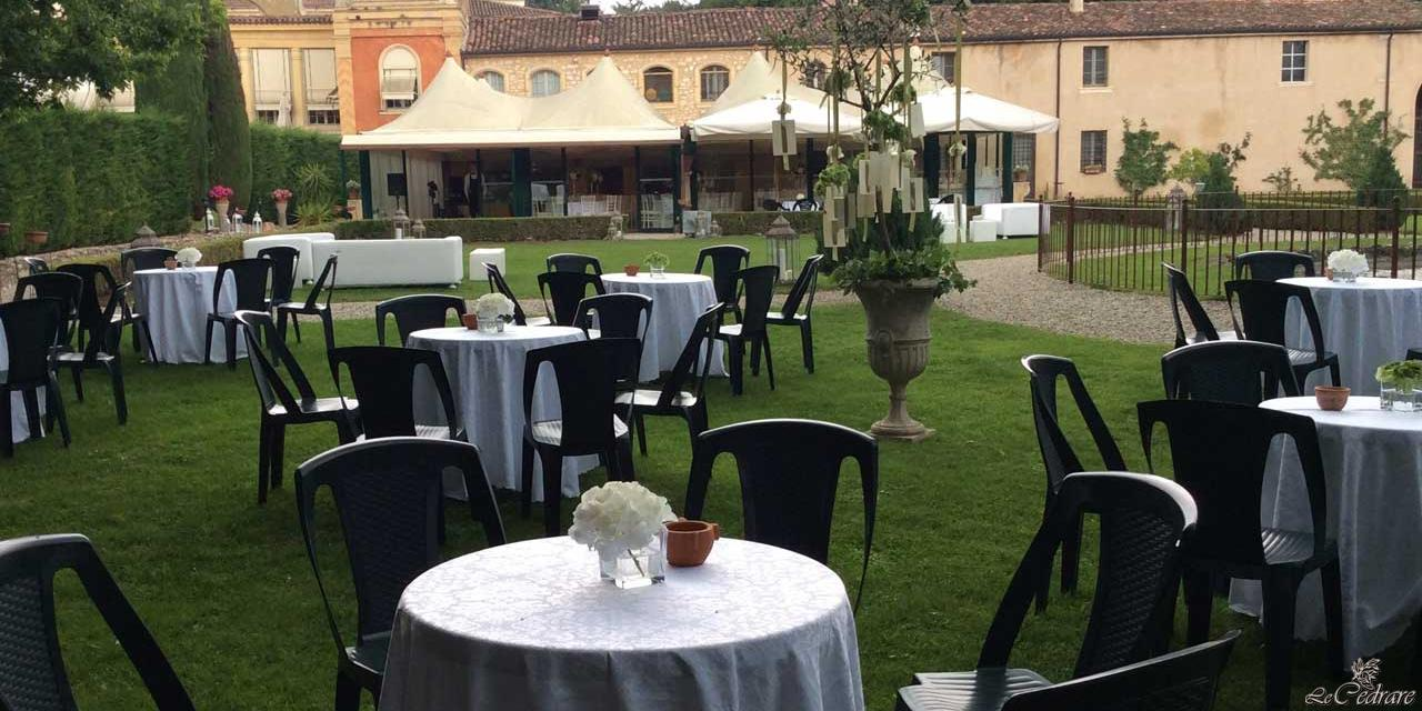 Restaurant with great room for numerous groups, corporate events and special dinners overlooking the inner park