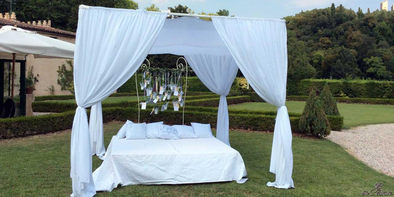 Idea for an outdoor marriage with the installation of canopy structure