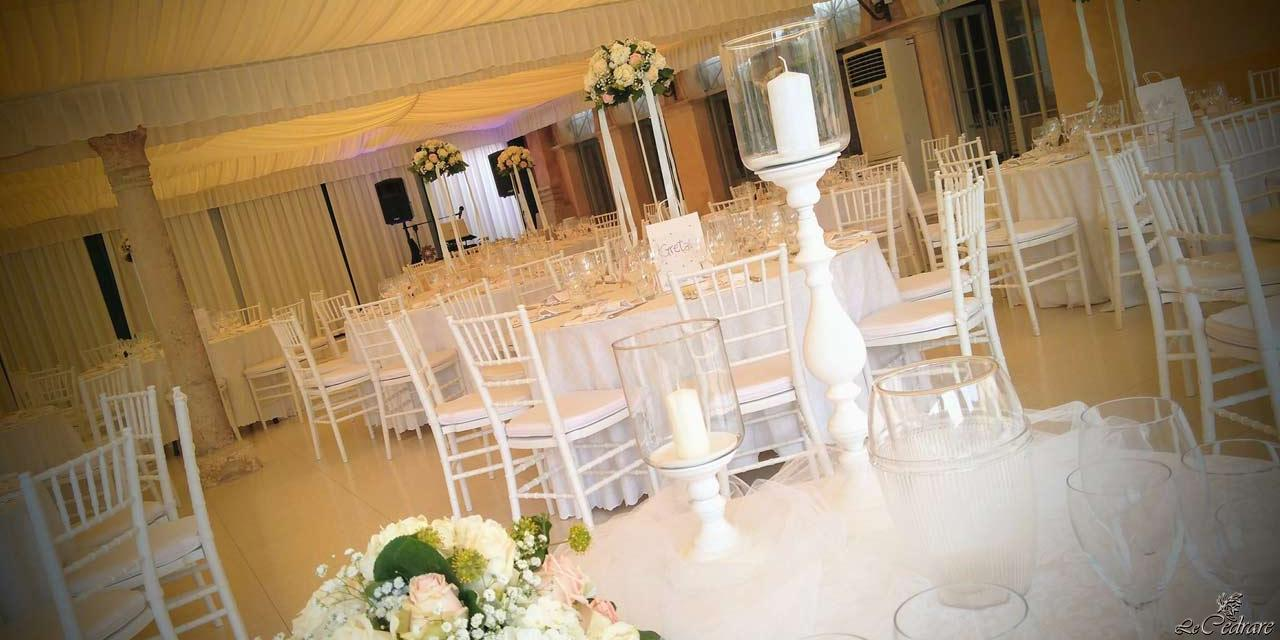 Restaurant with rooms for wedding with lots of guests